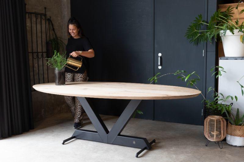 Ovale tafel sfeerfoto