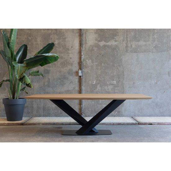 Half ovale tafel 'Tijgervink'