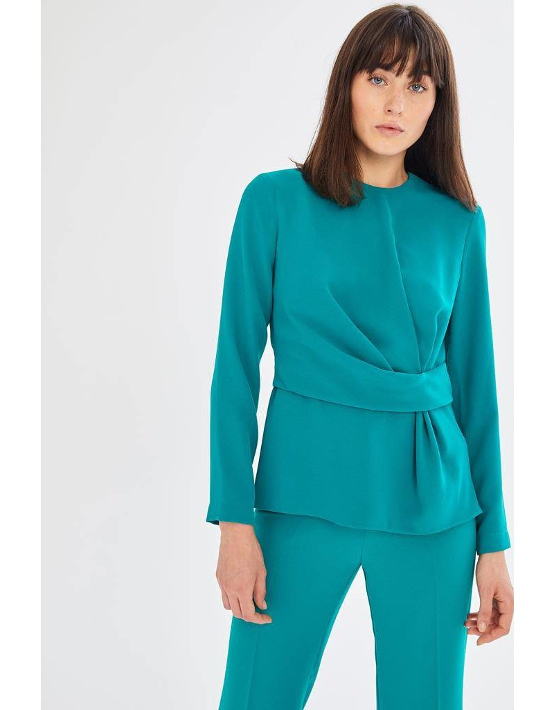 Exquise Long Sleeved Round Necked Blouse