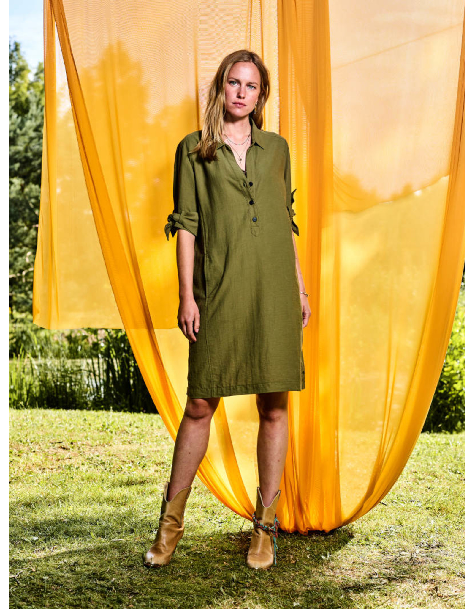 10 Feet Dress with knotted cuff