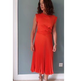 Exquise Pleated Dress