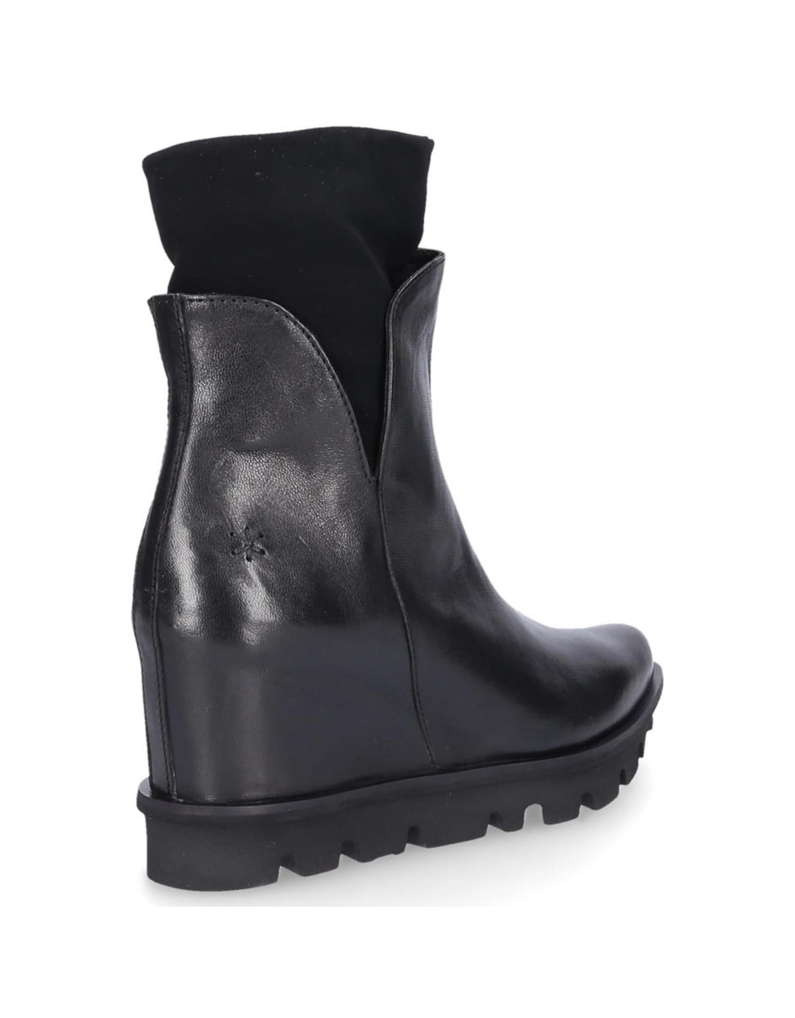 Patrizia Bonfanti Black Shoko Zanzi Boot