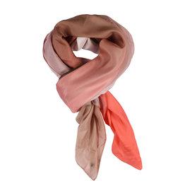 Gustav Inette big scarf