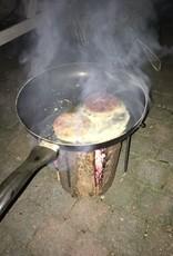 Koken op de Zweedse fakkel