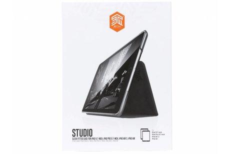 STM Groene Studio Case voor de iPad (2018) / (2017) / Pro 9.7 / Air 2 / Air