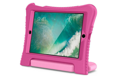 Spigen In Play Kidsproof Backcover iPad (2018) / (2017) - Candy Pink