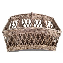 Rieten lectuurmand - Weaving