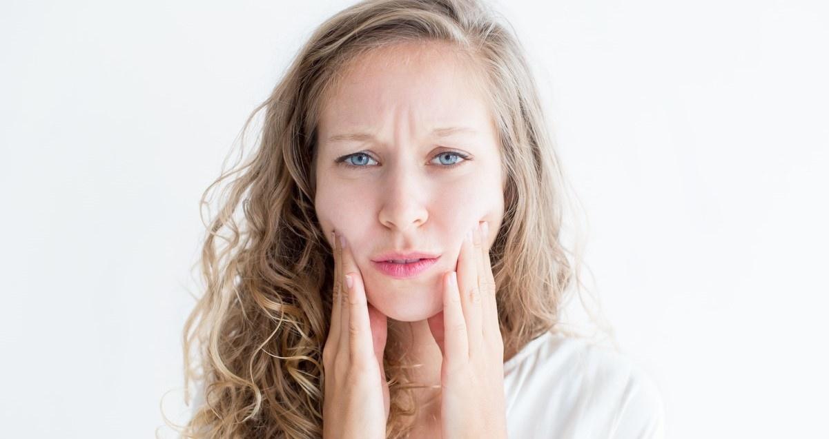 Last van een (extreem) droge huid op je gezicht? De oorzaken en de oplossing.