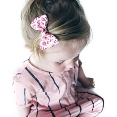 Your Little Miss Haarnadel panterprint pink mit Schleife