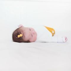 Your Little Miss Baby Haarspange mit gelber Schleife