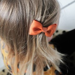 Your Little Miss Hair clip with bow ginger