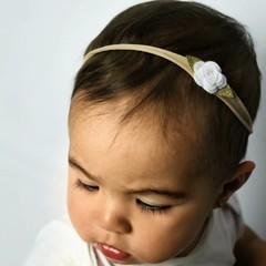 Your Little Miss Cinta de nylon para bebé con rosa de fieltro blanca
