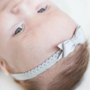 Your Little Miss Grijs newborn baby haarbandje kant met strik