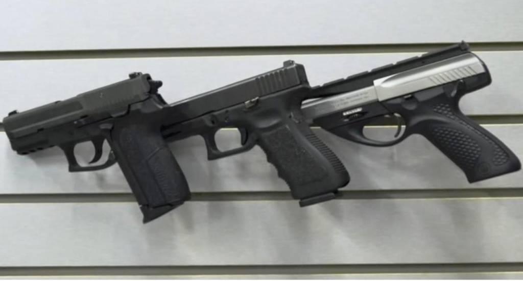Slatwall Snipers - uchwyt do broni krótkiej LEWY