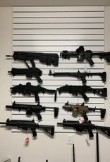 """Poziomy uchwyt do broni długiej """"Horizontal Gun Cradles for Slatwall"""""""
