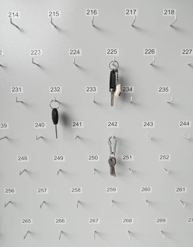 1778 Dwudrzwiowa szafa na klucze