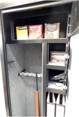 1013  Szafa na broń w kolorze drewna, z trzema skarbczykami i półką