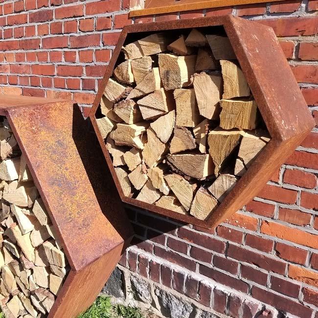2021 Stojak na drewno z blachy Corten - Heksagon 800