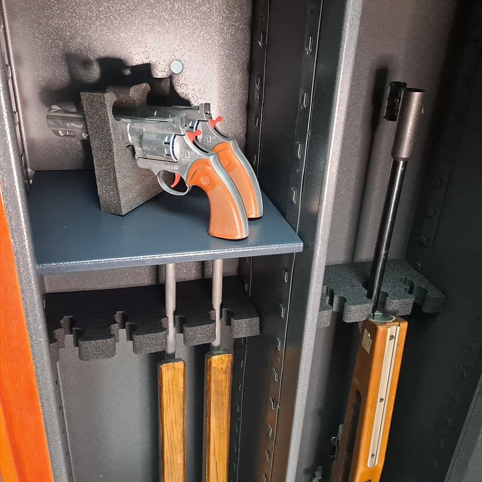 EU1313 - Szafa na broń długą i krótką