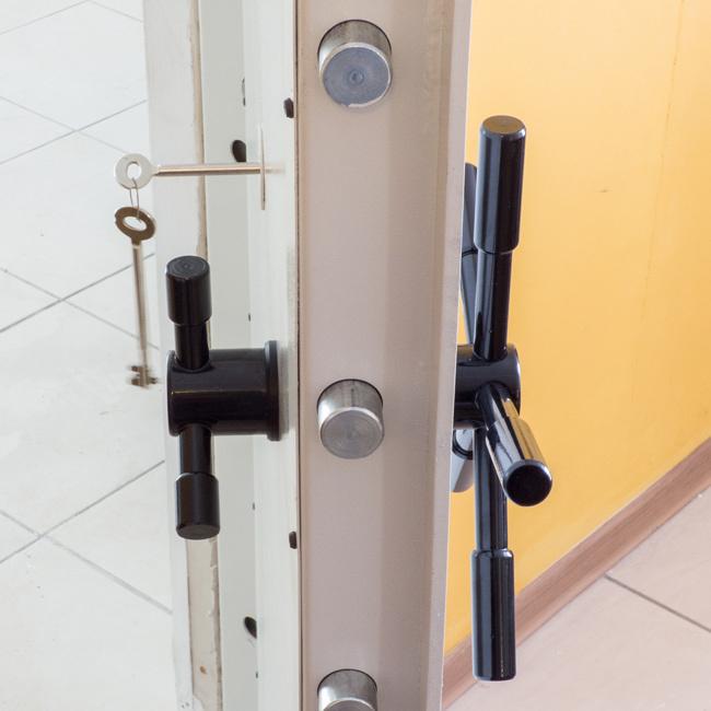 1841 Drzwi antywłamaniowe, klasa S2