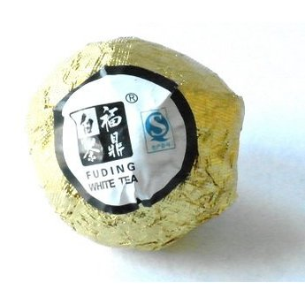 10 Perlchen handgerollter Weißer Tee aus Fuding