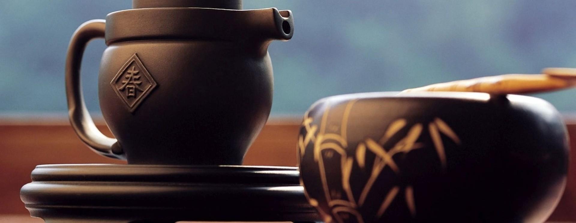 Teekannen, Filter und Gläser