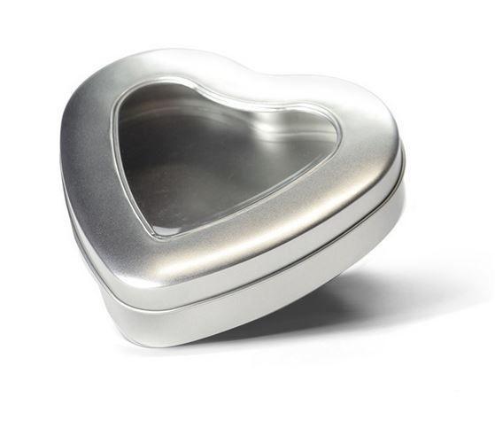 Boîte en forme de coeur avec fenêtre-1
