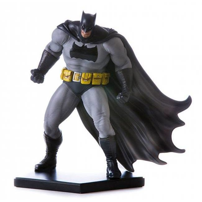 Iron Studios Batman Arkham Knight Statue 1/10 Batman DLC Series Dark Knight (Frank Miller)
