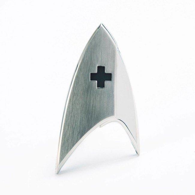 Quantum Mechanix Star Trek Discovery Replica 1/1 Magnetic Starfleet Medical Division Badge