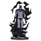 Batman Black & White Statue Batman by Becky Cloonan 23 cm