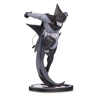 DC Collectibles Batman Black & White Statue White Knight Batman by Sean Murphy 21 cm