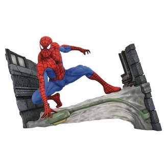 Diamond Select Toys Marvel Comic Gallery PVC Statue Spider-Man Webbing 18 cm