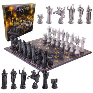Noble Collection Harry Potter Chess Set Wizards Chess Deluxe Edition