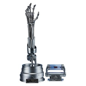 Terminator 2 The Real Replica 1/1 T-800 Endoskeleton Arm & Brain Chip Set
