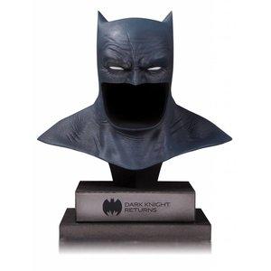 DC Gallery Bust 1/2 The Dark Knight Returns Batman Cowl 21 cm