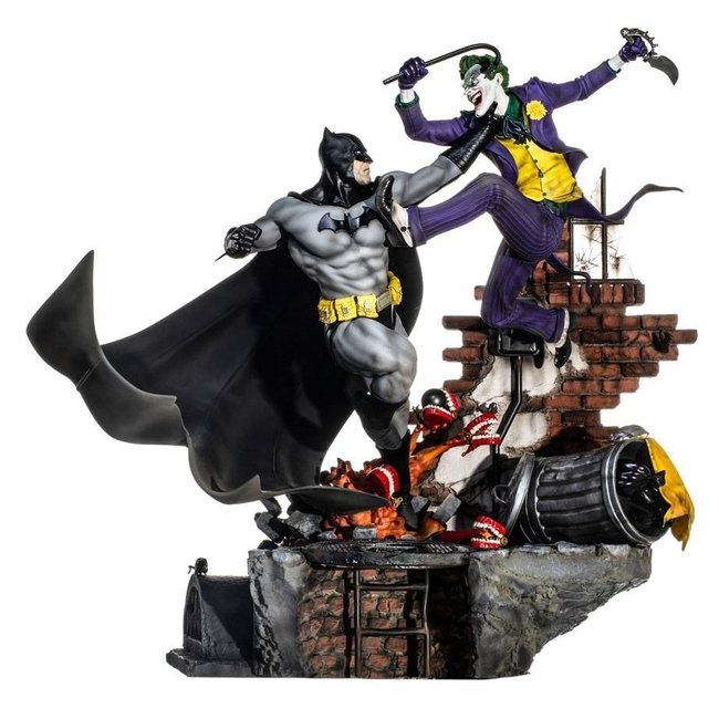 Iron Studios DC Comics Diorama 1/6 Batman vs Joker Battle by Ivan Reis 52 cm