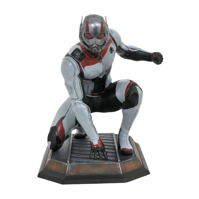Diamond Select Toys Avengers: Endgame Marvel Movie Gallery PVC Diorama Quantum Realm Ant-Man 23 cm