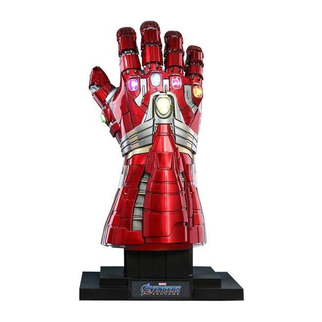 Hot Toys Avengers: Endgame Life-Size Masterpiece Replica 1/1 Nano Gauntlet Hulk Ver. 71 cm