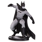 Batman Black & White Statue Batman by Gene Colan 17 cm