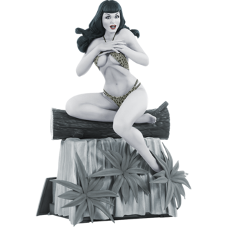 Dynamite Women of Dynamite Statue Bettie Page (Black & White Edition) 24 cm