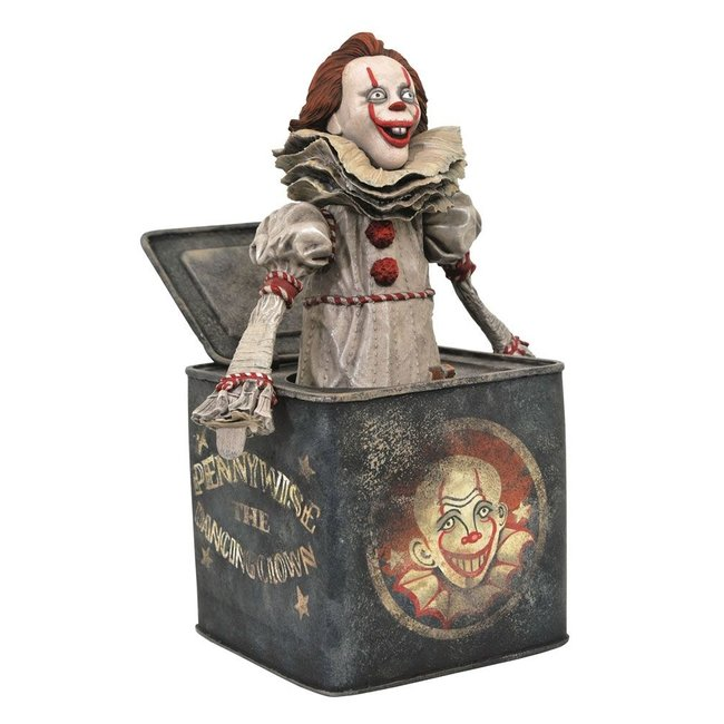 Diamond Select Toys It Chapter Two Gallery PVC Diorama Pennywise in Box 23 cm