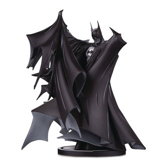 DC Collectibles Batman Black & White Statue Batman by Todd McFarlane 24 cm