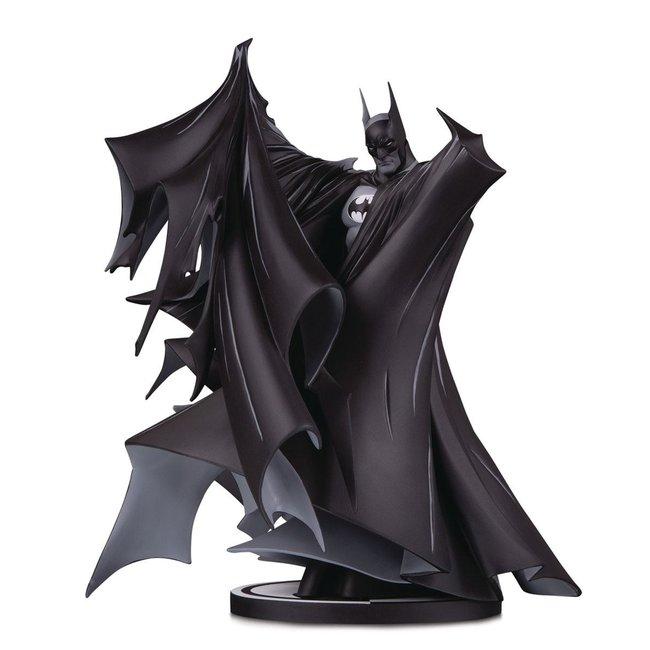 Batman Black & White Statue Batman by Todd McFarlane 24 cm