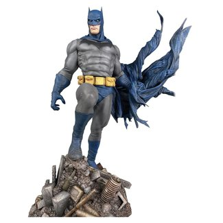Diamond Select Toys DC Comic Gallery PVC Statue Batman Defiant 25 cm