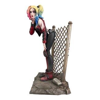 Diamond Select Toys DC Comic Gallery PVC Statue DCeased Harley Quinn 20 cm