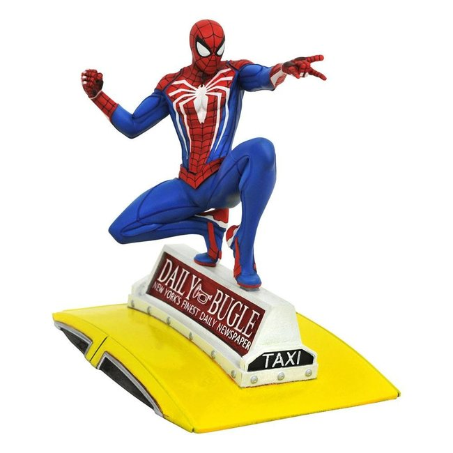 Diamond Select Toys Spider-Man 2018 Marvel Video Game Gallery PVC Statue Spider-Man on Taxi 23 cm