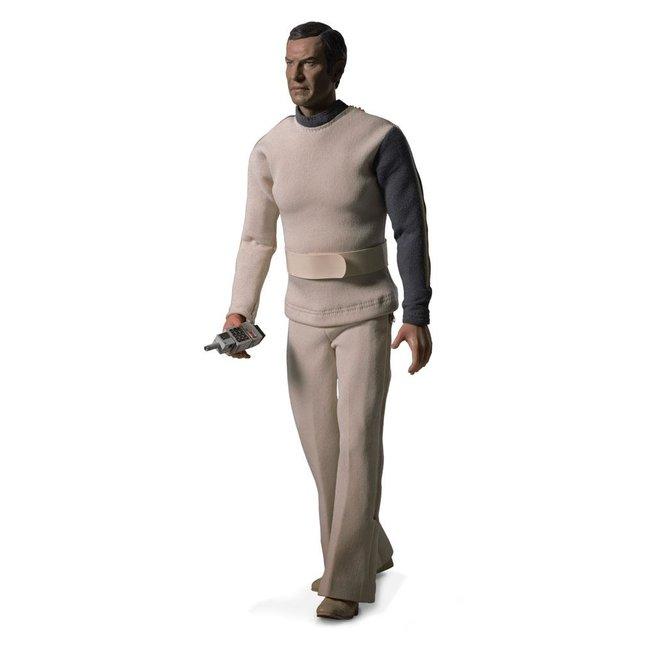 Big Chief Studios Space: 1999 Action Figure 1/6 Commander John Koenig Limited Edition 30 cm