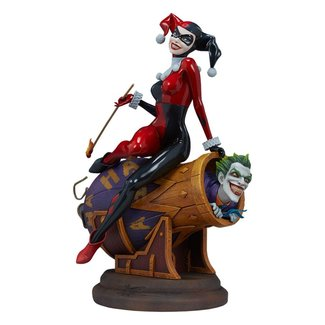 Sideshow Collectibles DC Comics Diorama Harley Quinn and The Joker 35 cm