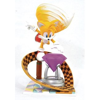 Diamond Select Toys Sonic Gallery PVC Diorama Tails 23 cm