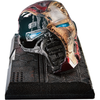 Beast Kingdom Avengers Endgame Master Craft Statue Iron Man Mark50 Helmet Battle Damaged 22 cm